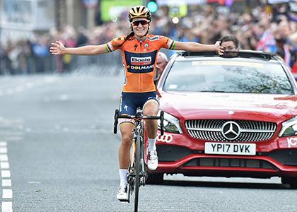 20170429_Britains_Lizzie_Deignan_takes_victory_at_the_Womens_Tour_de_Yorkshire_3000.1493467361