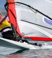 Saskia-Sills-windsurfing