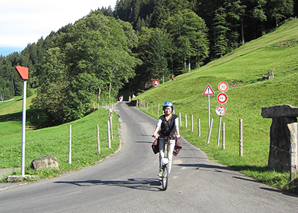 trotti-biking-in-summer